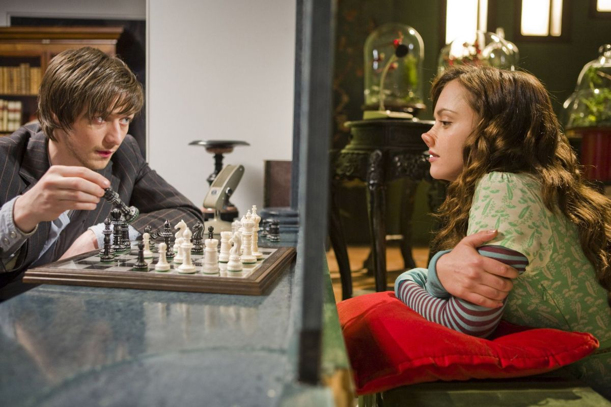 Movies To Inspire: Penelope and Max play a game of chess while separated by a two-way mirror.