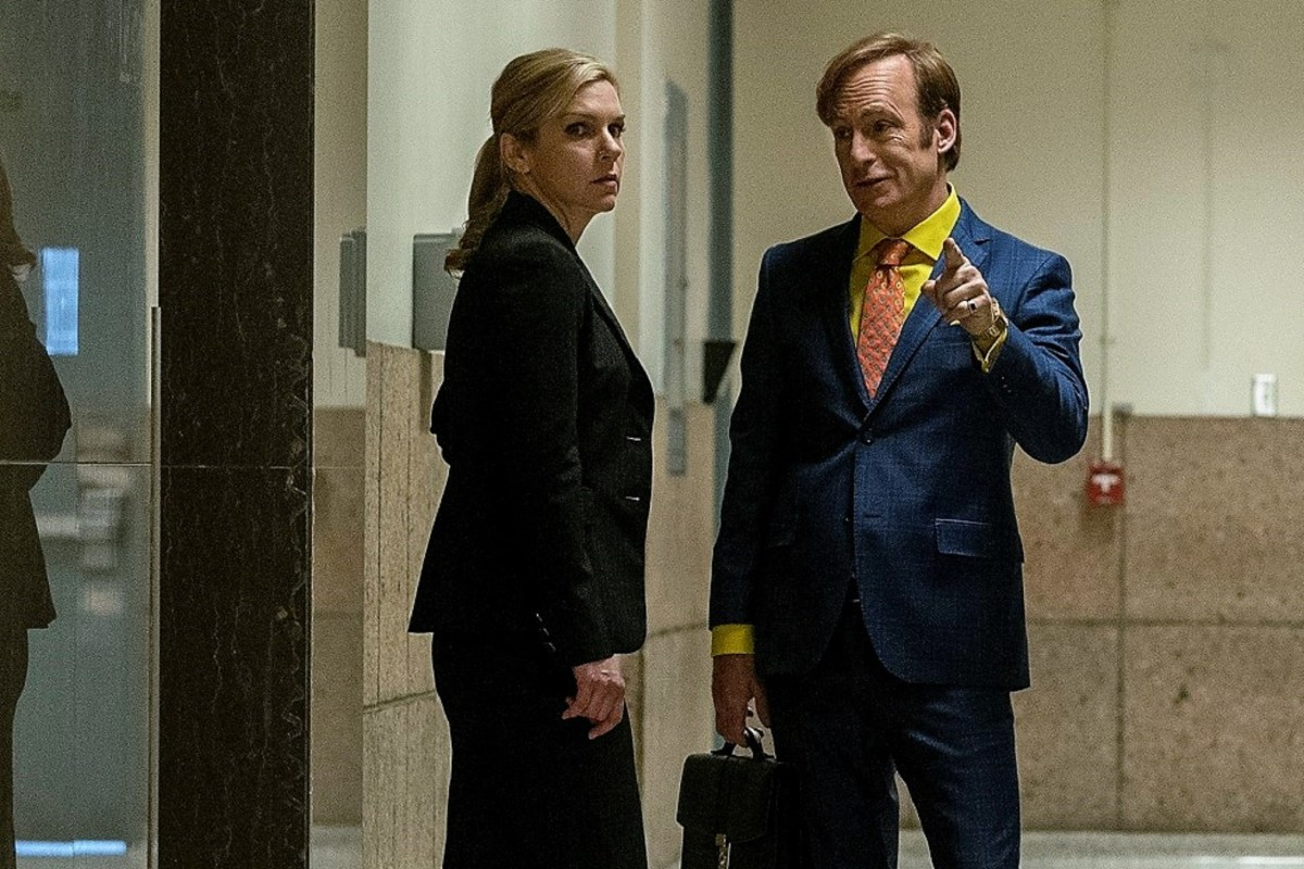 Kim Wexler and Saul Goodman talk outside of the courtroom on Better Call Saul.