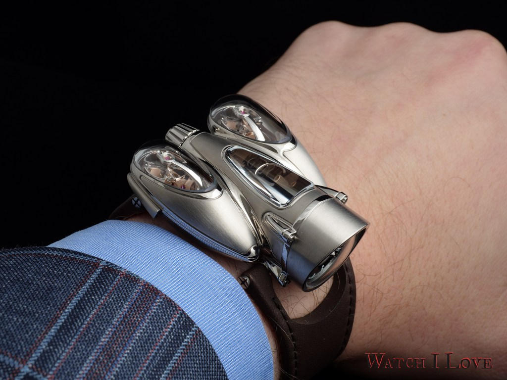 MB&F Horological Machine N°9 'Flow' movement up
