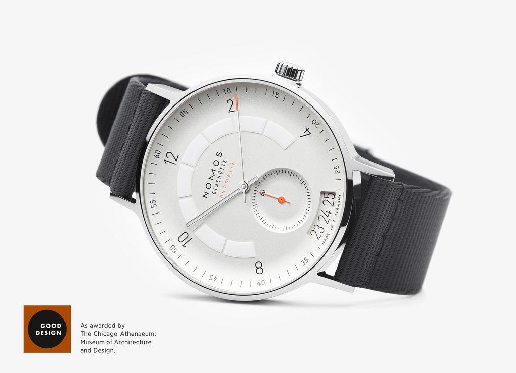 NOMOS Glashuette Autobahn neomatik 41 Good Design Award