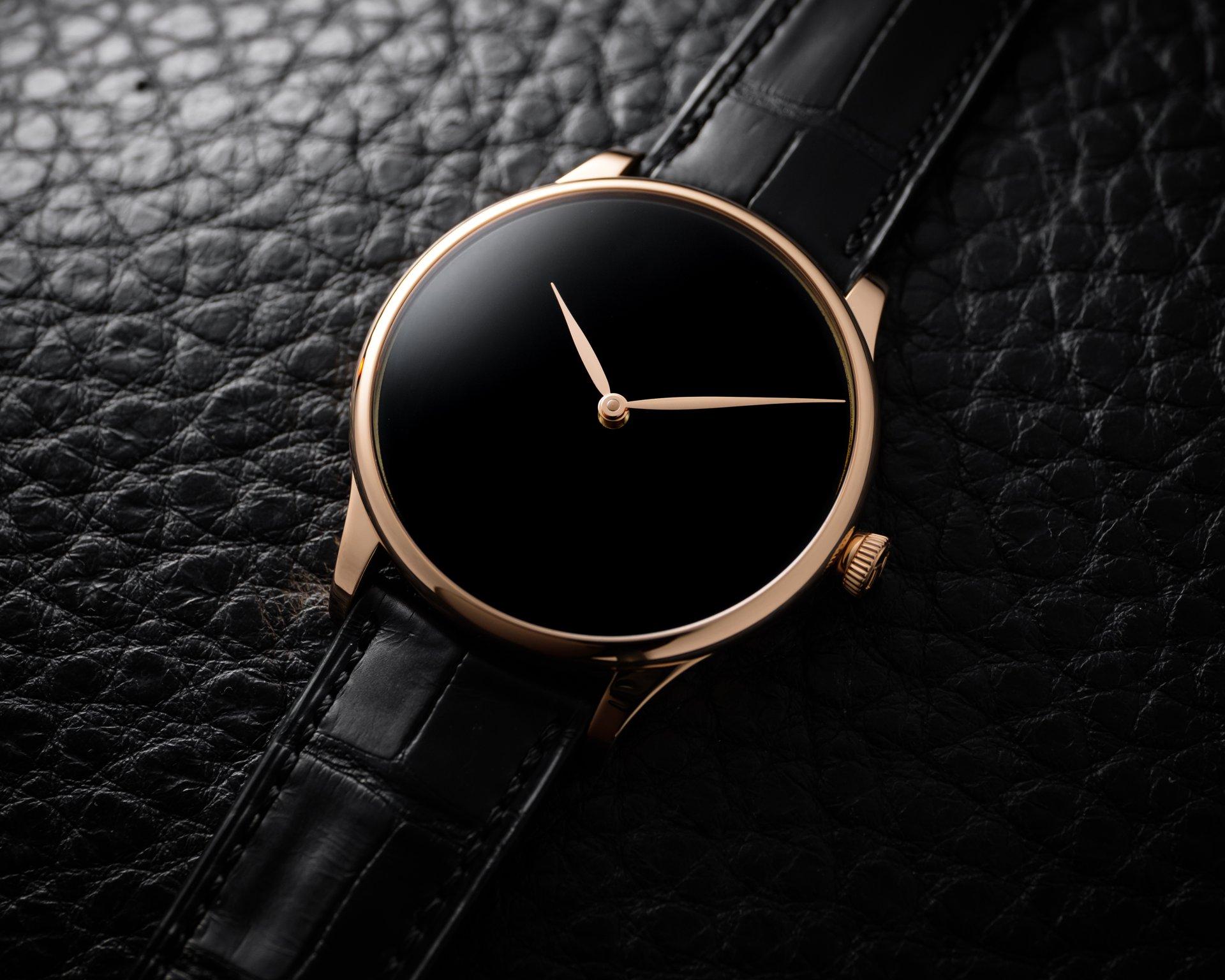 Venturer Concept Vantablack®, reference 2327-0410, 5N red gold model, Vantablack® dial, black alligator leather strap