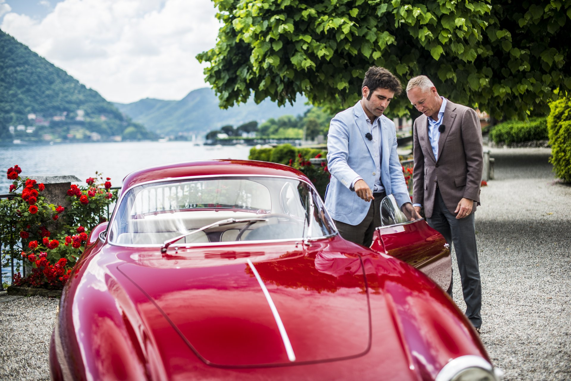 """From 24 to 26 May 2019, A. Lange & Söhne will once again sponsor the Concorso d'Eleganza Villa d'Este, which has taken place at the Grand Hotel Villa d'Este in Como, Italy since 1929. For the eighth time, a one-off LANGE 1 TIME ZONE will be awarded to the winner of the """"Best of Show"""" competition."""