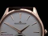The dial layout is kept simple. Nevertheless, the present elements fill harmoniously the given surface
