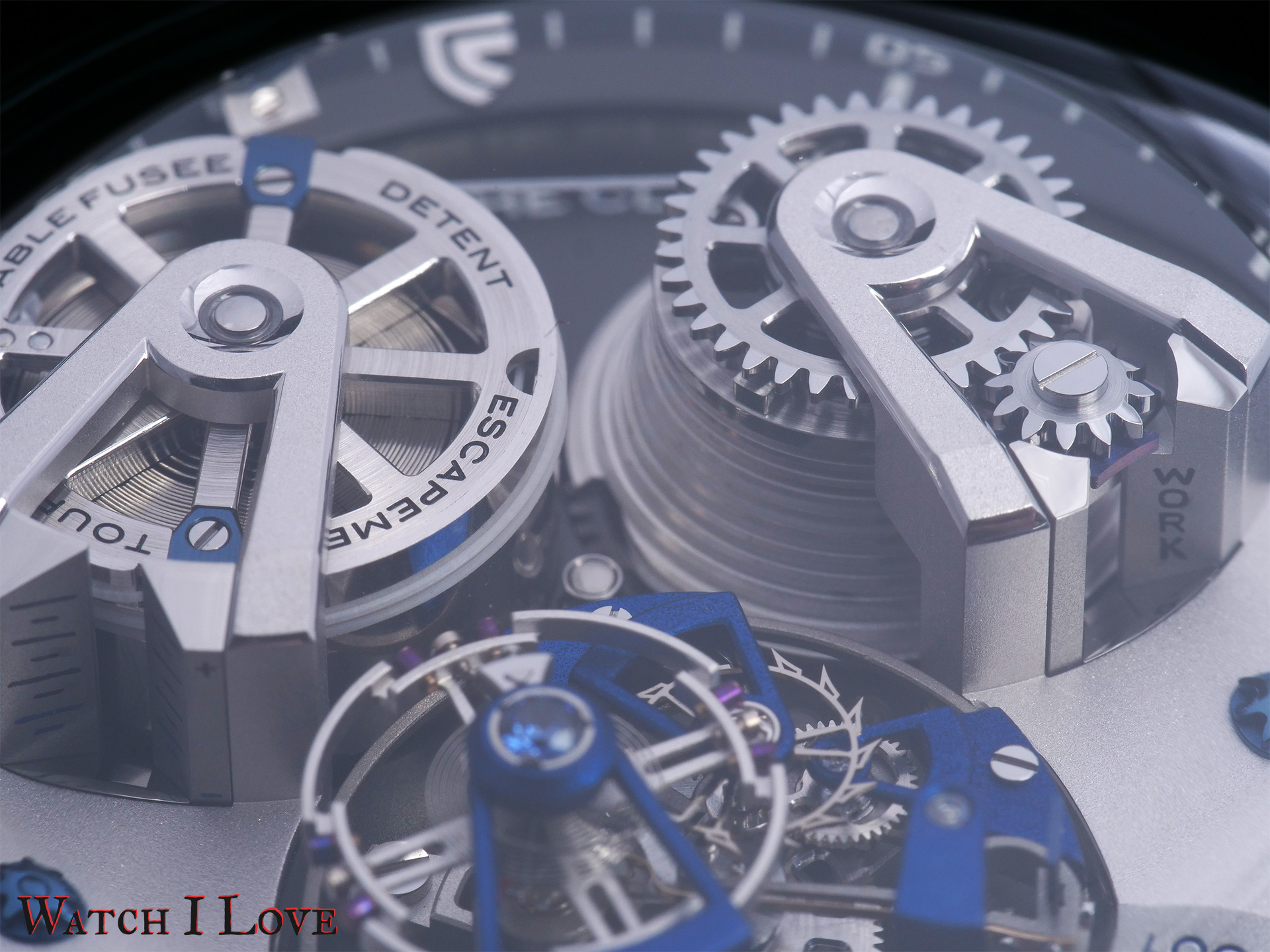 Note the power reserve on the barrel's bridge.