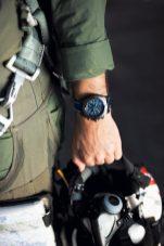 04_super-avenger-chronograph-48-night-mission-1