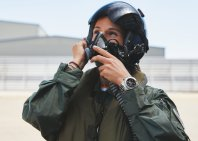 08_breitling-aviation-pioneers-squad-member-rocio-gonzalez-torres-wearing-the-avenger-chronograph-43