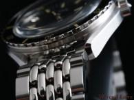 DOXA-SUB-200-case-bracelet