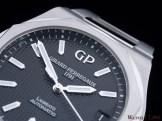 Girard-Perregaux-Laureato-42mm-Ref.-81010-11-634-11A-dial-detail-logo-oblique
