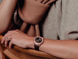 Anouk Yve is the face of the new Millenary Frosted Gold Philosophique