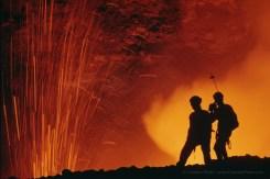 Am Herz eines Vulkans, nah an der Eruption wie nie zuvor