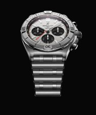 02_chronomat-b01-42-with-a-silver-dial-and-black-contrasting-chronograph-counters-2