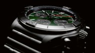 09_chronomat-b01-42-bentley-with-a-green-dial-and-black-contrasting-chronograph-counters