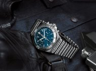 10_chronomat-b01-42-frecce-tricolori-limited-edition-with-a-blue-dial-and-tone-on-tone-chronograph-counters