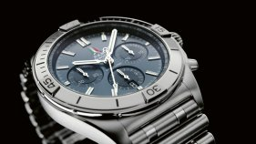 11_chronomat-b01-42-frecce-tricolori-limited-edition-with-a-blue-dial-and-tone-on-tone-chronograph-counters