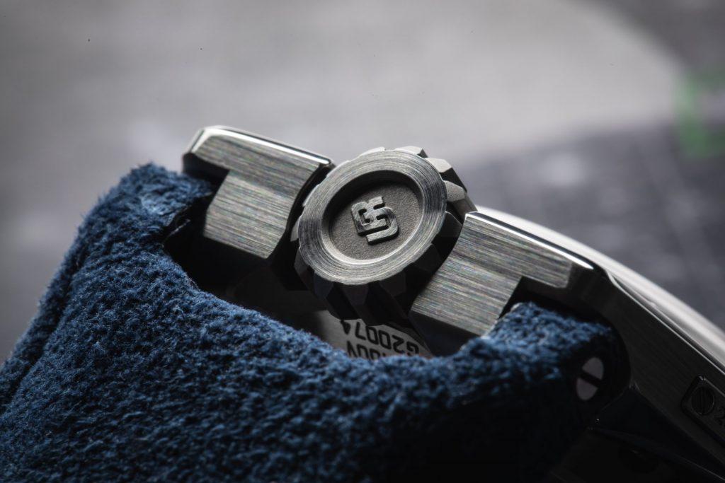 URWERK UR-100 V Iron