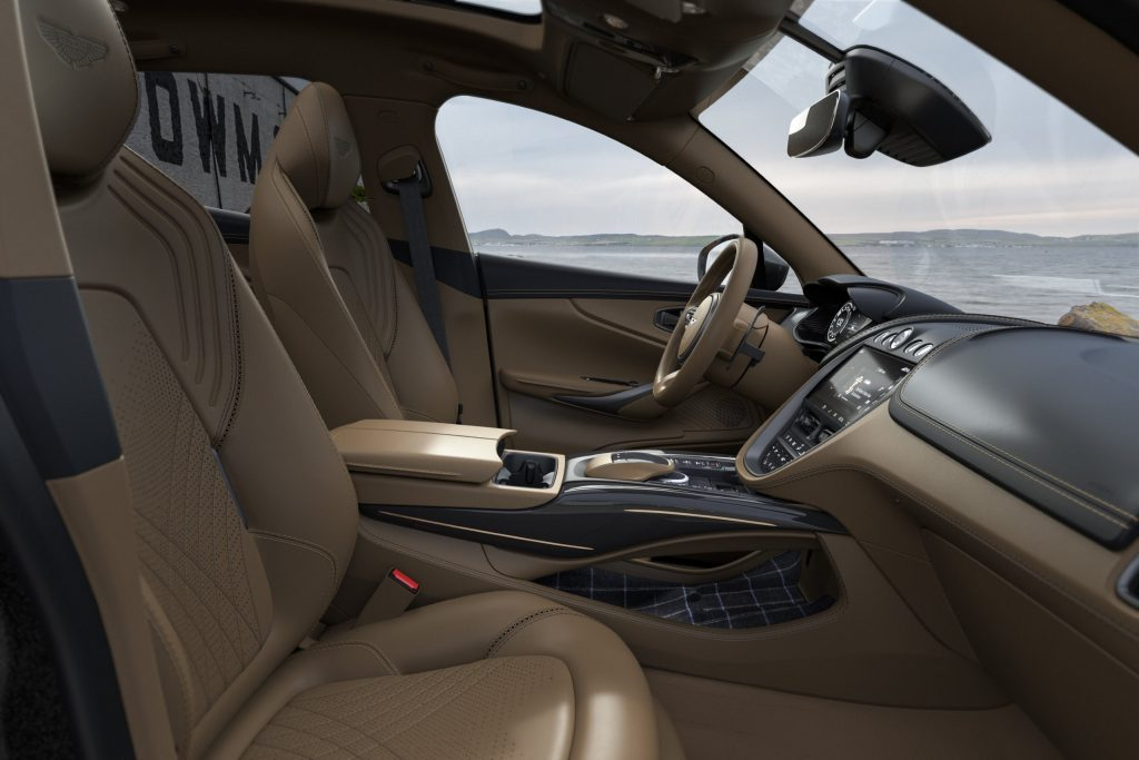Aston Martin DBX Bowmore®artin DBX Bowmore®