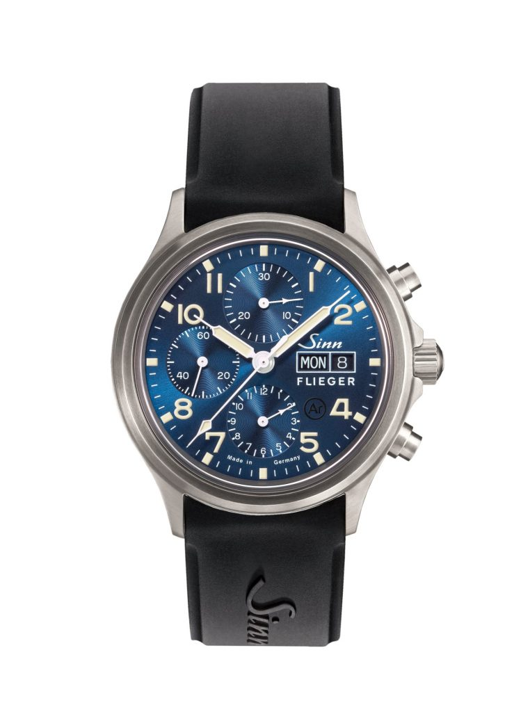 In keeping with the design of traditional instrumental chronographs, our 358 Sa PILOT B E model captivates with clarity, functionality and elegance – and also a dark-blue dial that has been finished with a sunburst decoration. The distinctive colouring and striking combination of dark-blue dial and ivory-coloured coating on the indices, hands and numerals also catches the eye. This vintage-style colour scheme makes for an eye-catching contrast on this watch. In addition to being 42 mm in diameter, the highly curved crystal made of sapphire crystal in a satinized stainless-steel case characterises the overall appearance. Sapphire crystal has also been used for the transparent case back, which enables you to take an exciting glimpse into the delicate work of the mechanical movement. In terms of technology, Ar‑Dehumidifying Technology enhances greater functional reliability and freedom from fogging. Additionally equipped with a date and day of the week display, the 358 Sa PILOT B E model is resistant to low pressure, waterproof and pressure-resistant up to 10 bar.