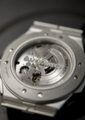 298609-3005_Alpine Eagle XL Chrono Only Watch_making of(15)