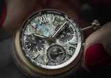298609-3005_Alpine Eagle XL Chrono Only Watch_making of(3)