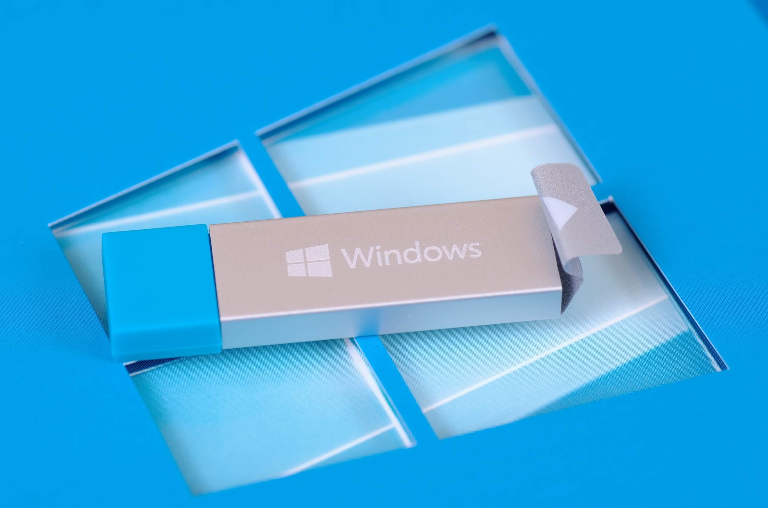 How to Install and Run Windows 10 from a USB Drive | Maocular Tech