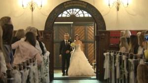 wedding-bride-sings