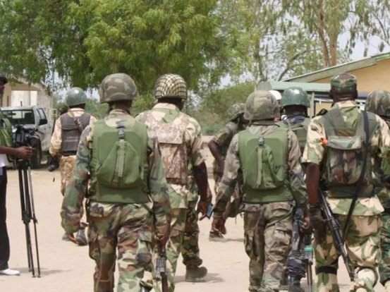 Soldiers and others kill a suspicious robber, a kidnapper
