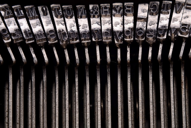Why Fonts Matter: Serif vs. Sans Serif