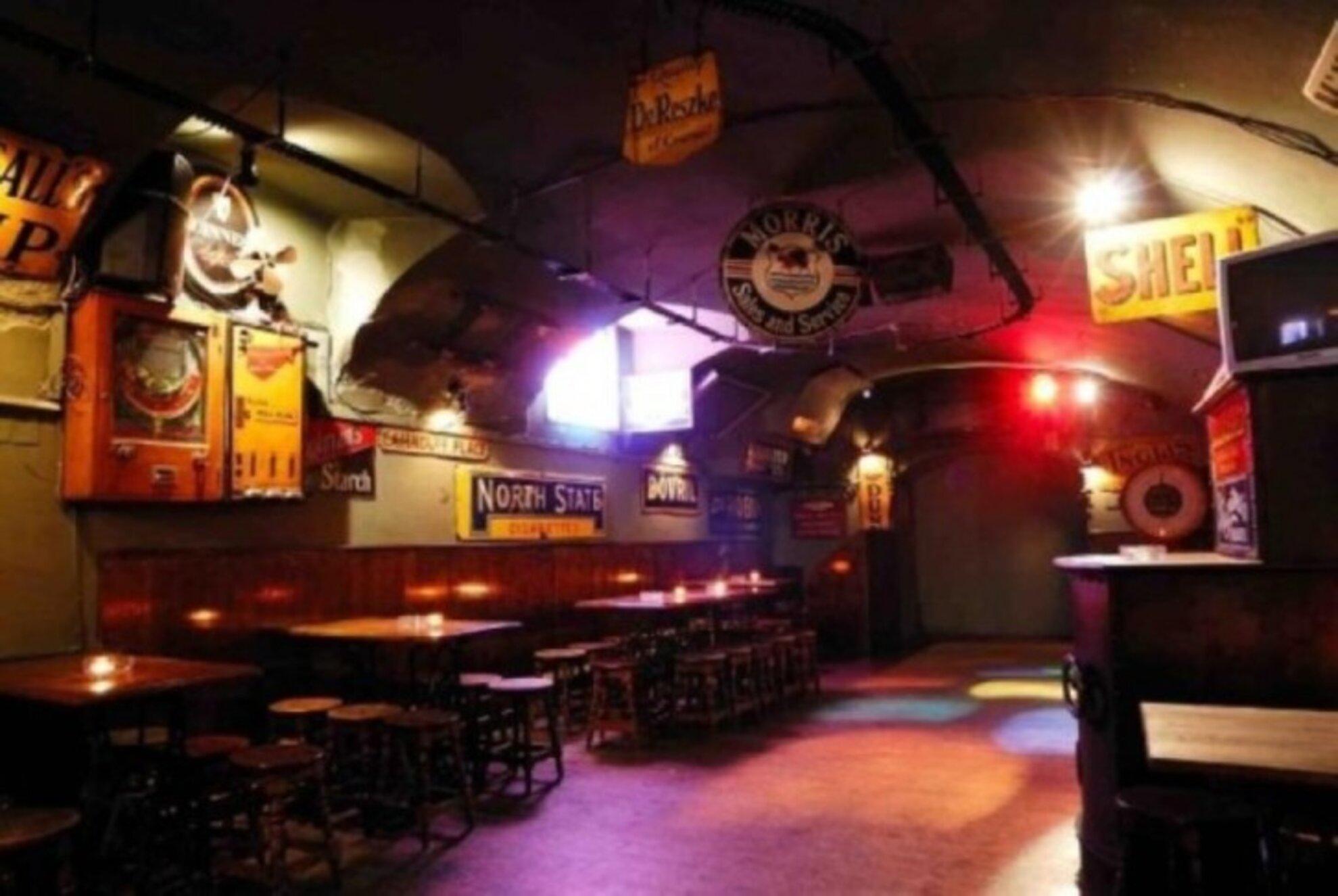 8 karaoke bars in Budapest
