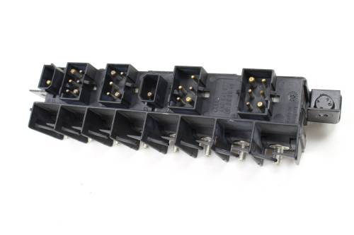 small resolution of 1997 1998 1999 audi a8 d2 relay fuse box bracket plate