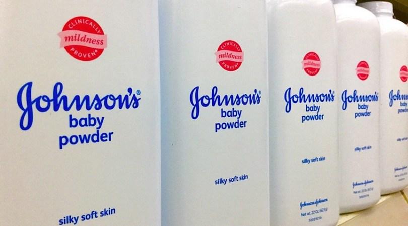 Ações da Johnson & Johnson caem 11% após relatório sobre amianto em talco