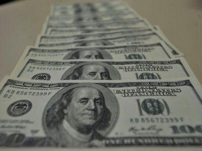 Dólar encerra em queda de 0,42% com trégua na guerra comercial