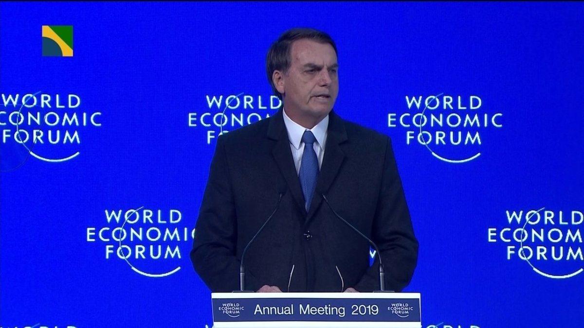 Bolsonaro cancela coletiva por 'atitude anti-profissional da imprensa'