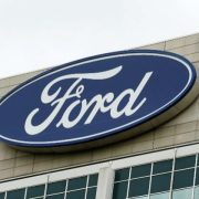 Ford encerra em baixa de 1,26% em NY após Moody's rebaixar seu rating