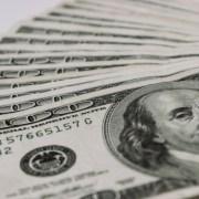 Dólar cai 0,76% com redução das tensões comerciais entre EUA e China