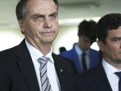 """Bolsonaro nega atritos com Moro, mas lembra que """"foi eleito para mudar"""""""