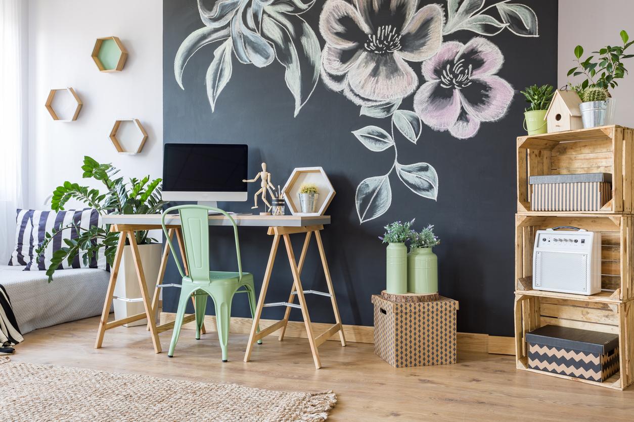 10 Fun Office Decor Finds for DeskOrating Like a Pro