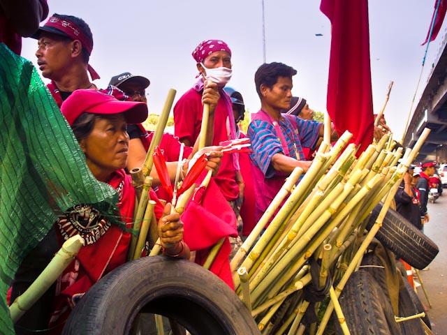 chemises rouges bambous
