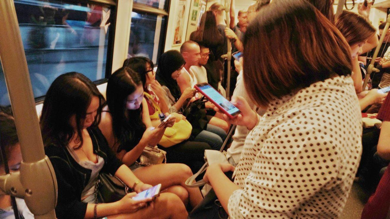 Les Thaïlandais passent plus de 11 heures par jour sur internet