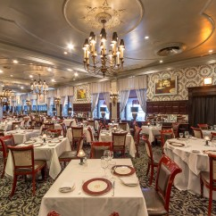 Moderne Gastronomie Sch Rzen Genie Blue Max Garage Door Opener Wiring Diagram 8 Old School Steakhouses To Try In Nyc Zagat Diners Have A Lot Thank Delmonico S For Lobster Newberg Baked Alaska Eggs Benedict And Yes The Modern Restaurant This Fidi Original Open Since 1837