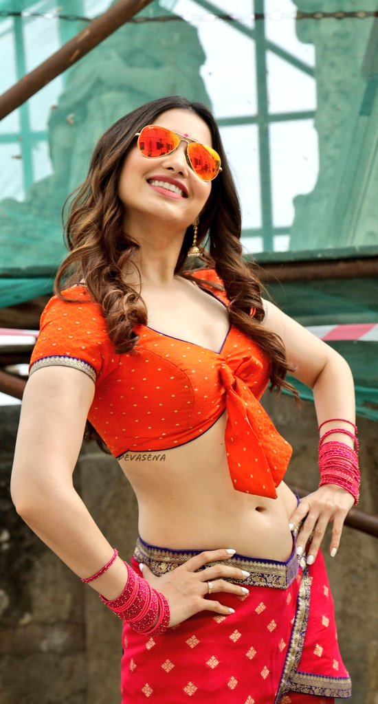 Top 3 Bollywood Actress Have Best Navel