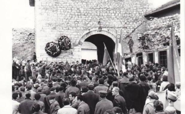 sarajevo_oslobodjenje_1945.jpg - Dok je Njemačka gorjela, Hitler naredio da se Sarajevo brani po svaku cijenu