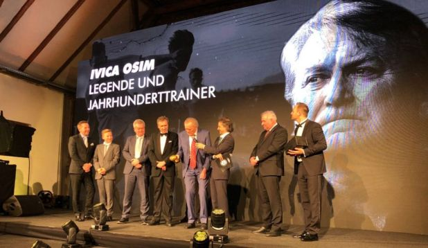 Foto: Twitter/Ivica Osim na svečanosti u Grazu