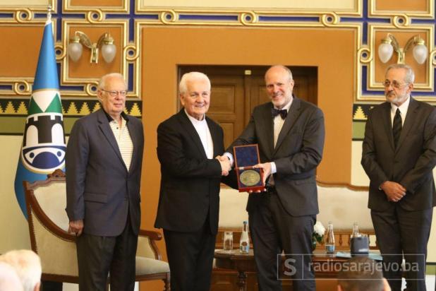 Foto: Dženan Kriještorac / Radiosarajevo.ba/ Franji Komarici uručena nagrada Dr. Elemér Hantos