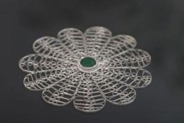 Bosanac napravio cvijet Srebrenice za Bidena - undefined