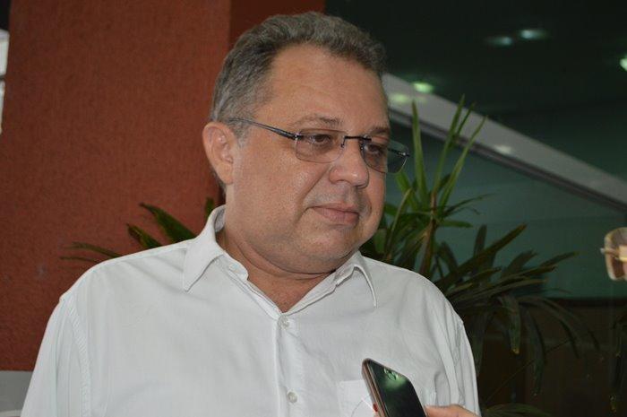 Florentino Neto, atual secretário de Saúde. Ele não vinha cumprindo a palavra