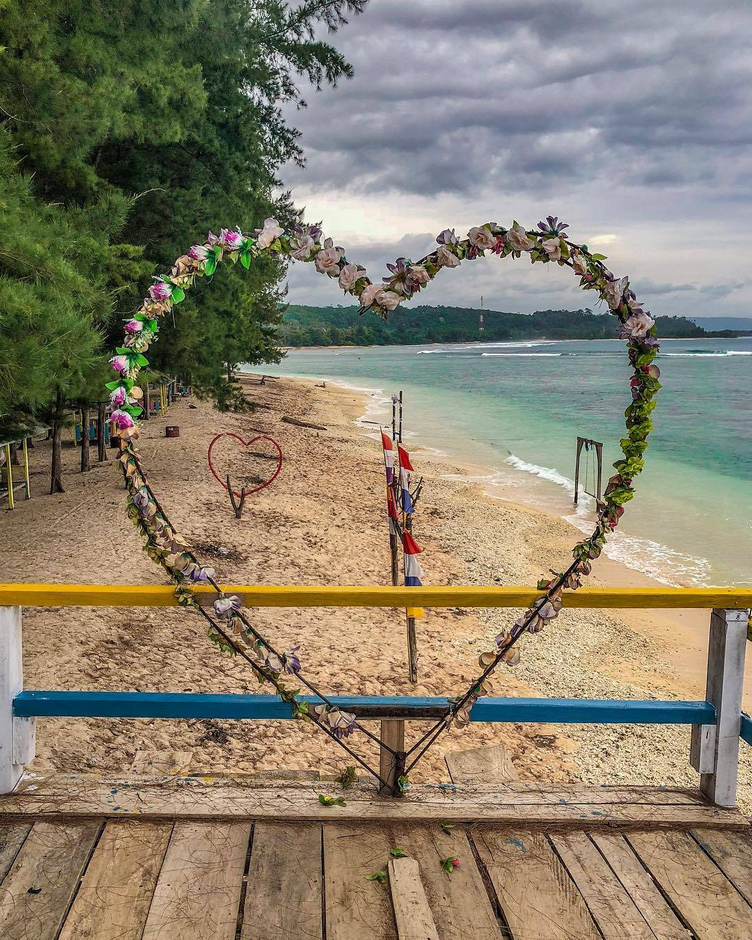 Penginapan Di Pantai Laguna Bengkulu : penginapan, pantai, laguna, bengkulu, Pantai, Laguna,, Pesona, Bahari, Indah, Bengkulu
