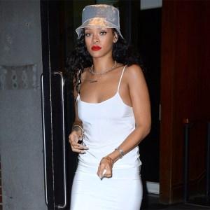 6 months after, Rihanna makes Instagram return