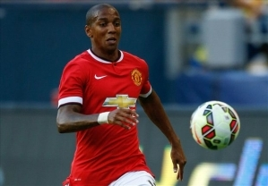 Ashley Young Signs New Manchester United Deal