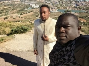 """BTS photos of KCee's """"Fine Face"""" video shoot"""