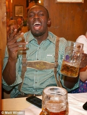 Baller Of Life! Usain Bolt Parties Up at the Annual Oktoberfest Beer Festival   Photos